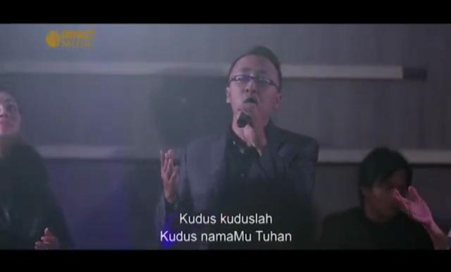 Kudus NamaMu Tuhan – Lirik Lagu Pujian